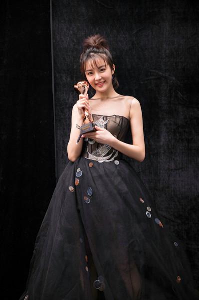 演技派重回主流种丹妮获金骨朵年度网络剧实力演员